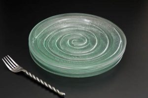 recycled-glass-dinner-plates-Spiral-set-clear