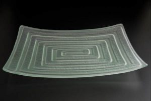 recycled-glass-serving-platter-Labyrinth-frosted-rectangle